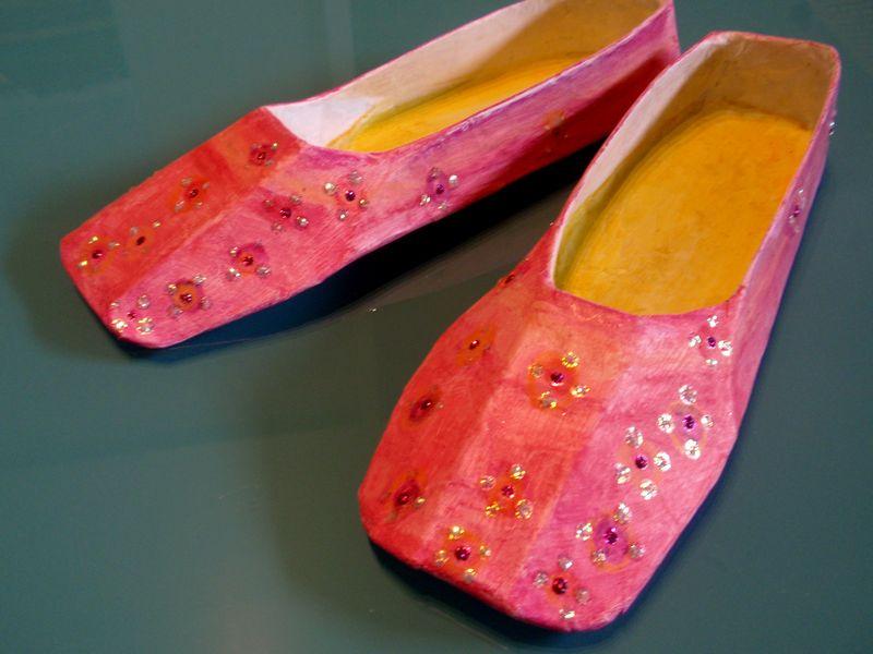 Carpet slippers, e