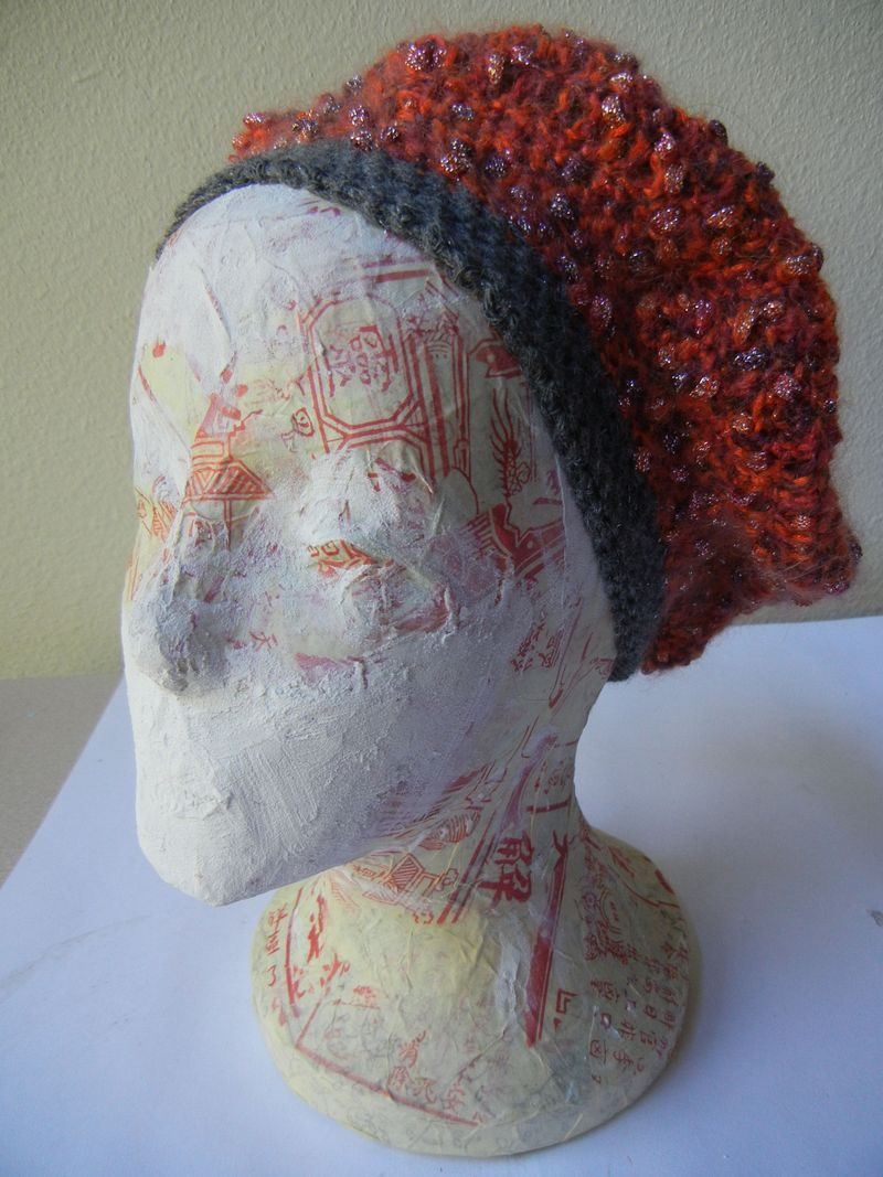 Crochet hat with gray edging