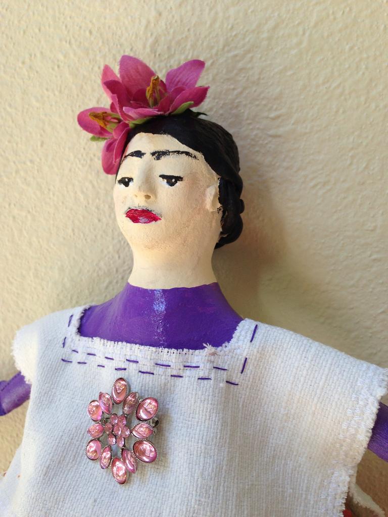 Frida up close